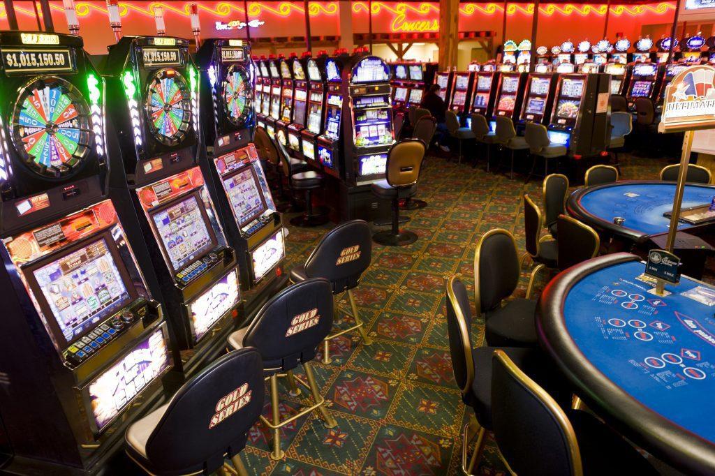 Man verlaat casino en beroofd bank om verder te kunnen gokken